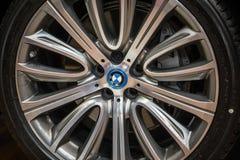 Hjulet av BMW visade på den 3rd upplagan av MOTO-SHOWEN i Cracow Polen Royaltyfria Bilder