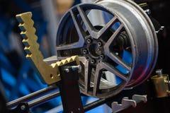 Hjulreparation royaltyfri foto