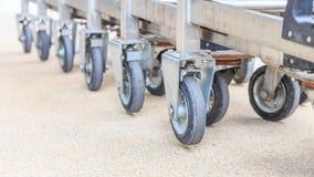 Hjulshoppingvagn Fotografering för Bildbyråer