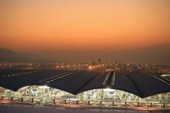 Hk国际机场晚上 免版税库存照片