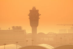Hk国际机场晚上 免版税库存图片