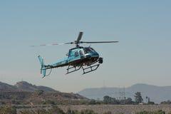 Hélicoptère d'Eurocopter AS350 pendant les héros américains A de Los Angeles Photographie stock