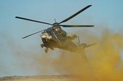 Hélicoptère de combat de Rooivalk dans la bataille Image libre de droits
