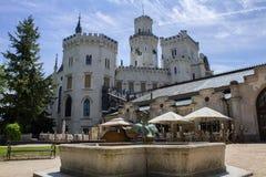 Hluboka nad Vltavou, república checa - 21 de maio de 2018: Castelo Hlubo imagens de stock