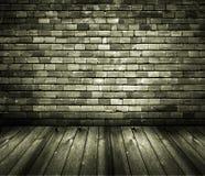 Hölzerner Fußboden der rustikalen HausinnenBacksteinmauer Lizenzfreies Stockfoto
