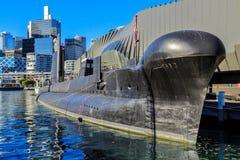 HMAS submarino 'Onslow 'amarró en Darling Harbour, Sydney, Australia imagenes de archivo