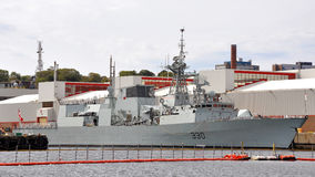 HMCS在哈利法克斯海军基地靠码头的哈利法克斯 库存图片