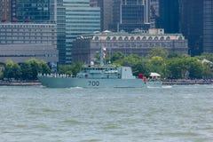 HMCS Kingston przy flota tygodniem zdjęcie royalty free