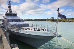HMNZS Taupo, un bote patrulla de la Protector-clase de la marina de guerra de Nueva Zelanda fotos de archivo libres de regalías
