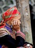 Hmong妇女在一个市场上在Sapa 免版税图库摄影