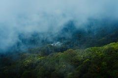 Hmong村庄在土井素贴顶部在清迈 在上面的观点 免版税图库摄影