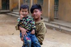 Hmong etnhic mniejszościowi dzieci Wietnam zdjęcie royalty free