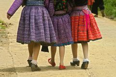 Hmong kjolar Arkivfoton