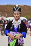 Hmong kvinnor med traditionsdressingen arkivfoton
