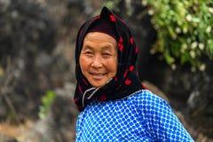 Hmong mniejszości etnicznej rolniczy pracownik fotografia stock