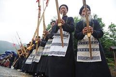 Hmong Musiker von Guizhou führen am lusheng durch Stockfotos