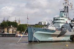HMS Belfast & torre de Londres Imagens de Stock