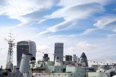 HMS Belfast et la ville de Londres Photo libre de droits