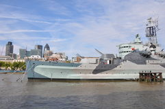 HMS Belfast i London Arkivbild