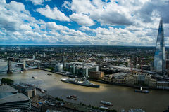 HMS Belfast, o estilhaço e a ponte da torre em Londres, Reino Unido fotografia de stock royalty free