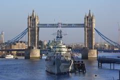 HMS Belfast - tornbro - London - England Royaltyfri Foto