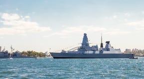 HMS-het Durven D32 het Koninklijke Marineschip legt in de haven van Sydney voor het deelnemen aan Internationaal Vlootoverzicht S stock foto's