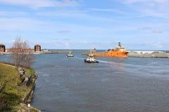 HMS-Ozean, der in Sunderland, am 1. Mai 2015 ankommt Stockbilder
