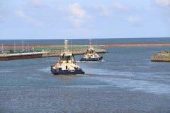 HMS-Ozean, der in Sunderland, am 1. Mai 2015 ankommt Lizenzfreie Stockfotografie