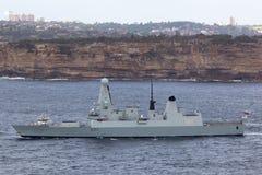 HMS Trauen schreiben 45 Verwegen-klasseluftabwehrzerst?rer des Marine Abreisesydney harbor stockfotografie