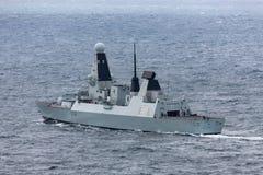 HMS Trauen schreiben 45 Verwegen-klasseluftabwehrzerst?rer des Marine Abreisesydney harbor lizenzfreies stockbild
