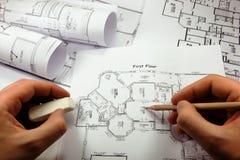 Hände des Architekten Stockbilder