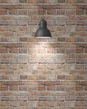 Hängande vit lampa med skugga på tappningtegelstenväggen, bakgrund Royaltyfria Bilder
