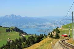 Hängen Sie Pilatus ein, das vom Rigi, die Schweiz gesehen wird. Stockbild