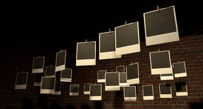 Hängende polaroidgalerie Stockbilder