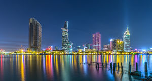 Ho Chi Minh City sken på natten Royaltyfri Fotografi