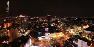 Ho Chi Minh City Skyline på natten Arkivbilder