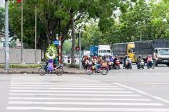 Ho Chi Minh City, Vietnam, 12,26,2017 A Mann mit Kranz Lizenzfreies Stockbild