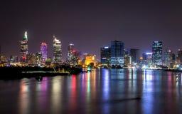 Ho Chi Minh City, Vietnam por noche foto de archivo