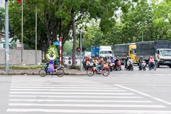 Ho Chi Minh City, Vietnam, uomo di 12,26,2017 A con la corona Immagine Stock Libera da Diritti