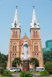 Ho Chi Minh City, Vietname - 26 de janeiro de 2015: Manjericão de Saigon Notre-Dame fotografia de stock royalty free