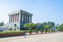 Ho Chi Minh Mausoleum is een groot die gebouw in het centrum van Bedelaars Dinh Square wordt gevestigd, waar Ho Chi Minh de Verkl royalty-vrije stock fotografie