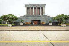 Ho Chi Minh mausoleum i Hanoi Fotografering för Bildbyråer