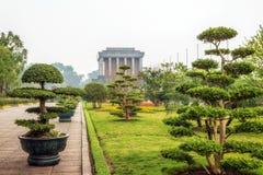 Ho Chi Minh mausoleum i Hanoi Royaltyfri Bild