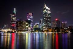 Ho Chi Minh miasta Środkowy dzielnica biznesu nocą obrazy royalty free