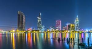 Ho Chi Minh miasto błyszczy przy nocą Fotografia Royalty Free