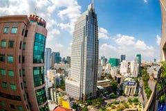 HO CHI MINH miasto (SAIGON) - LIPIEC 03, 2014 - Ładny widok część miasto od wzrosta w śródmieściu Fotografia Stock