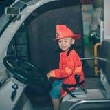 HO CHI MINH miasto, WIETNAM - 17 CZERWIEC, 2016: Dzieci ma zabawę Obraz Stock