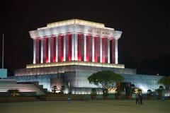Ho Chi Minh-` s Mausoleum auf dem Badin quadratischen großen der späte Abend des Planes Lizenzfreie Stockfotografie
