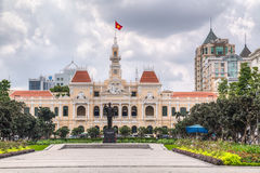 HO CHI MINH, SAIGON/VIETNAM - CIRCA AGOSTO 2015: Ho Chi Minh Memorial e comune, Ho Chi Minh City, Vietnam fotografie stock