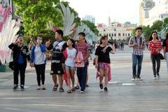 Ho Chi Minh-stad, het lopen straat, Kerstmisseizoen Stock Afbeeldingen